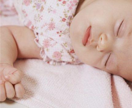 关于宝宝使用枕头的真相,你知道几个?